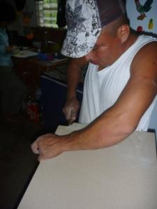 Marcelino haciendo el trabajo fino